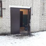 Недорого двери стальные металлические производство